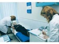 Noul contract-cadru ce reglementează condiţiile acordării asistenţei medicale în sistemul de asigurări de sănătate a fost aprobat de Guvern