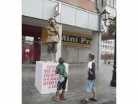 Statui vivante şi levitante pe străzile Sucevei
