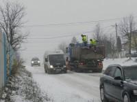 În jur de 220 km de drumuri judeţene nu vor fi deszăpezite decât în situaţii de urgenţă