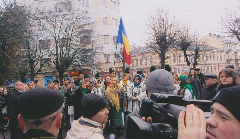 La-statuia-lui-Eminescu-din-Cernauti