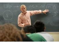 Peste 50% dintre angajaţii din educaţie solicită dotarea şcolilor cu materiale didactice şi mijloace moderne de predare