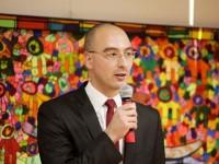 """Traducători suceveni acuză Guvernul că vrea să """"colectivizeze"""" birourile de traduceri"""