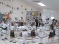 """Hora Unirii s-a jucat şi la Grădiniţa """"Prichindel"""" din Suceava"""