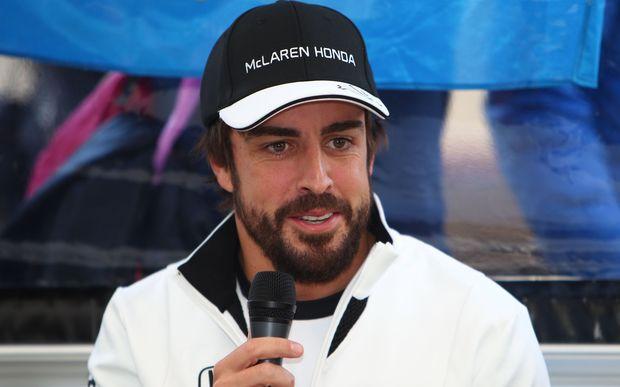 Alonso a petrecut noaptea sub observaţie medicală după accidentul de duminică