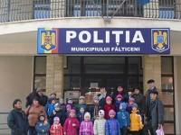 Preşcolarii s-au întâlnit cu poliţiştii, pentru a-i felicita de ziua lor