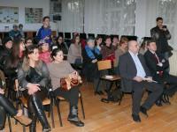 """Cabinet de informatică, de ultimă generaţie, la Şcoala """"Mihail Sadoveanu"""""""