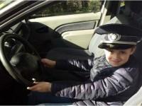 100 de tineri au fost poliţişti
