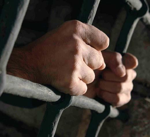 Banda de spărgători de la Rădăuţi a fost prinsă şi băgată după gratii