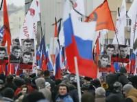 Peste 70.000 de persoane la un marş pentru a-i aduce  un omagiu lui Boris Nemţov