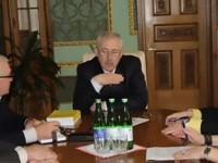 Guvernatorul Bucovinei a promis sprijinirea realizării drepturilor comunităţii româneşti din ţinut