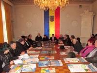 Gestionarea câinilor din municipiului Fălticeni a fost discutată cu asociaţiile de proprietari