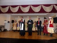 Peste 200 de persoane din tot judeţul au participat la împărţirea oului sfinţit de la Soloneţu Nou
