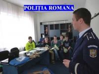 Polițiștii suceveni le-au vorbit copiilor și tinerilor despre riscuri și vulnerabilități