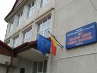 """Dezinsecţie în toate spaţiile care aparţin Colegiului Tehnic """"Samuil Isopescu"""" Suceava"""