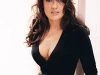 Salma Hayek, şedinţă foto sexy pentru revista Allure
