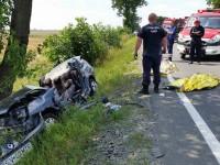 Trei suceveni, morţi într-un cumplit accident auto în judeţul Arad