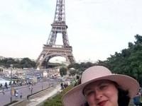 Cristina Lauric expune la Paris