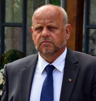Ridicarea suspendării lui Aurel Olărean e soluţia pentru deblocarea administraţiei din Rădăuţi