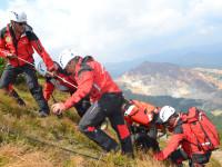 Incendiu de pădure în Parcul Naţional Călimani, un avion prăbuşit cu pasageri răniţi şi turişti căzuţi într-o râpă