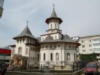 """Resfinţirea Paraclisului Bisericii """"Acoperământul Maicii Domnului"""" din Burdujeni"""