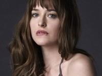 Actriţa Dakota Johnson denunţă dictatura tinereţii la Hollywood