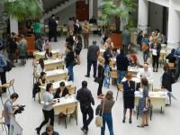 Aproape 500 de slujbe oferite la Bursa generală a locurilor de muncă