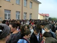 Peste 115000 de preşcolari şi elevi suceveni încep astăzi cursurile anului şcolar