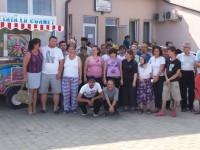 """Beneficiarii CRRN """"O nouă şansă"""" Todireşti au mâncat îngheţată oferită gratis de o firmă din Suceava"""