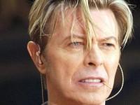 Prima înregistrare pe care apare vocea lui David Bowie, respinsă de o casă de discuri, scoasă la licitaţie