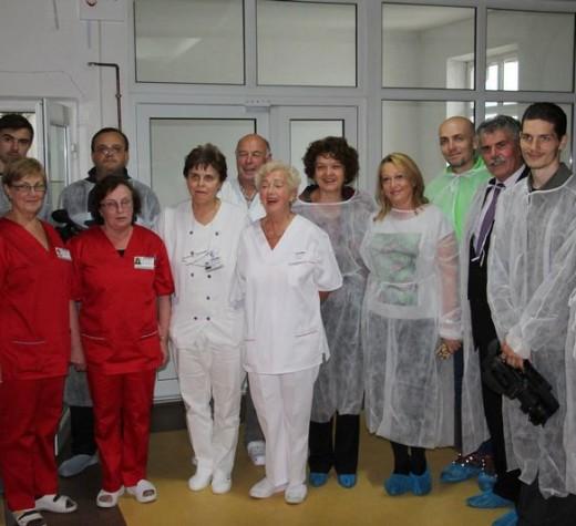 Neonatologia de la Câmpulung, dotată cu un incubator de transport şi o lampă de fototerapie