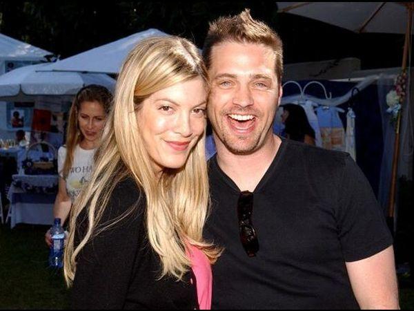 Tori Spelling a recunoscut că a avut o aventură cu Jason Priestley în timpul filmărilor pentru Beverly Hills 90210