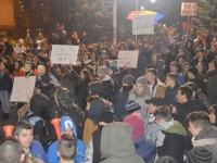 De ce ies în stradă, seară de seară, protestatarii suceveni