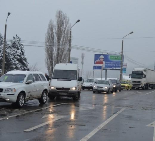 Pasarela de la Iţcani a fost redeschisă traficului rutier