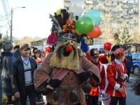"""Peste zece mii de persoane la Festivalul de datini şi obiceiuri de Anul Nou """"După datina străbună"""" din Suceava"""