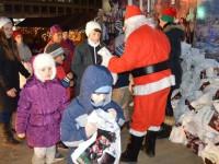 Românii nu-şi propun să cheltuie mai mult ca anul trecut pentru cadourile de Moş Nicolae