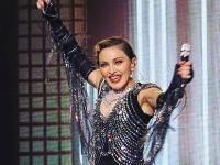 O judecătoare i-a somat pe Madonna şi Guy Ritchie să se pună de acord asupra custodiei fiului lor