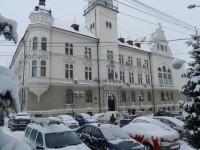 Angajaţii din Prefectura Suceava primesc spor Covid de 30%