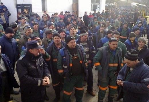 Minerii de la Crucea se pregătesc de grevă generală