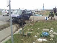 """Panou cu inscripţia """"Frecvent accidente"""" şi controale privind viteza şoferilor"""
