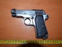 Dosar penal în cazul pistolului Makarov găsit într-o maşină, la Brodina
