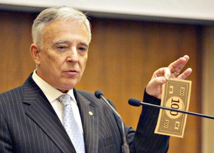 Guvernatorul BNR a sancţionat mediul politic