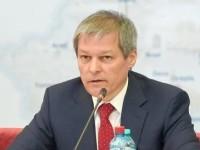 Premierul Cioloş anunţă că îşi donează salariul din aprilie campaniei pentru Cuminţenia Pământului