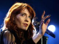 """""""Florence and the Machine"""" au oferit un miniconcert privat pentru o tânără aflată în spital"""