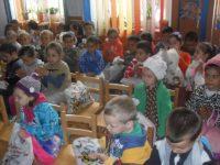 Colectă de jucării, rechizite, dulciuri pentru copii săraci de la Grădiniţa Moldoveni