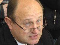 Primarul din Şcheia a jurat să respecte legea şi a fost suspendat din nou din funcţie de prefect
