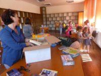 Biblioteci din 16 localităţi sucevene au fost dotate cu carte, mobilier sau calculatoare