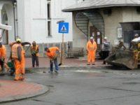 Ploile au dat peste cap programul de reparare a străzilor din Suceava