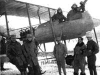 Aviatorul sucevean Vasile Niculescu va fi declarat, post-mortem, cetăţean de onoare al judeţului Suceava