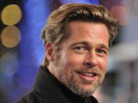 Brad Pitt şi-a ironizat viaţa amoroasă în faţa lui Jennifer Aniston la Globurile de Aur
