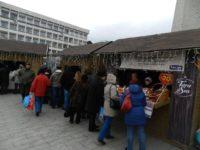 Primăria Suceava înlocuieşte căsuţele vechi şi inestetice de pe esplanada Casei Culturii